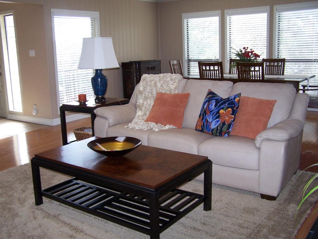 Sofa...so good! 004